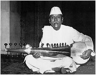 সুর সম্রাট ওস্তাদ আলাউদ্দিন খাঁ